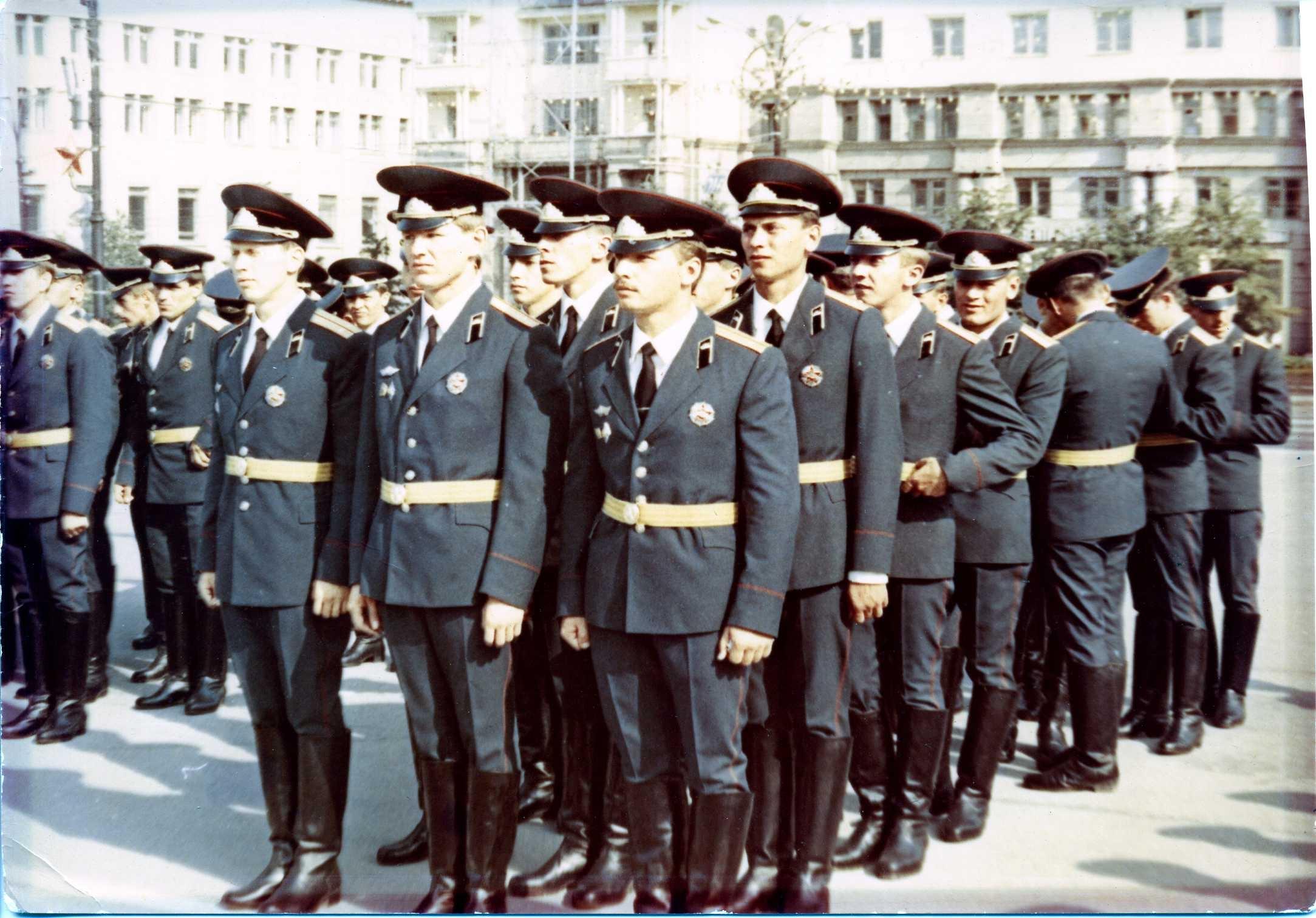 Выпускники омского бронетанкового интститута
